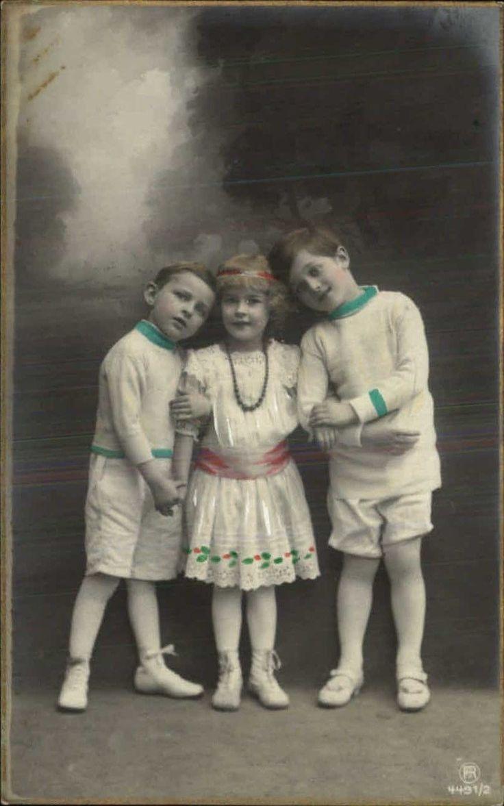 милые дети-маленькие МАЛЬЧИКИ на каждой стороне девочка тонированный реальное фото открытка   eBay