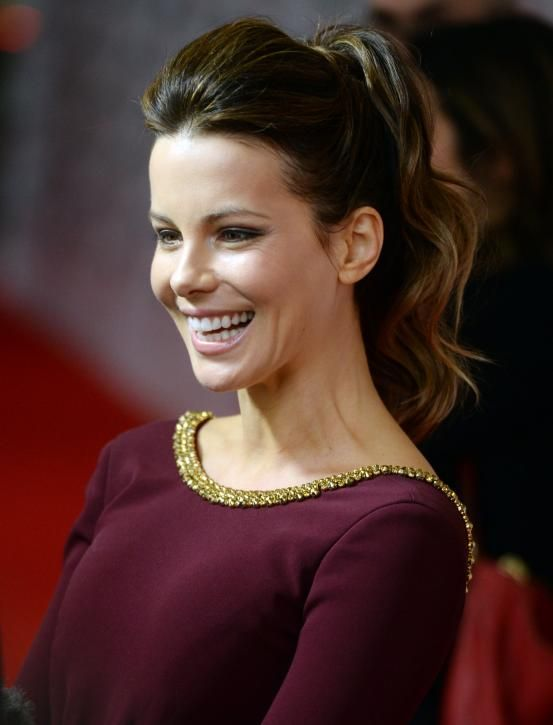 Kate Beckinsale - Hollywood inspired ponytails (via Flair.be http://www.flair.be/nl/kapsels/300149/hollywood-loves-ponytails-15-x-inspiratie)