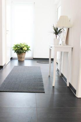 die 25+ besten ideen zu dunkler flur auf pinterest | enge gänge ... - Dunkle Fliesen Wohnzimmer Modern