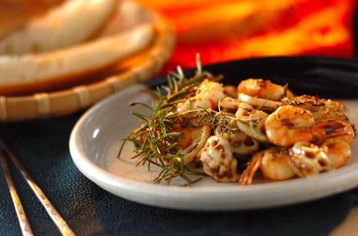 クミンの香りがアクセント!そのままはもちろん、バゲットサンドやオープンサンドにもピッタリなマリネです。エビとレンコンのハニーマスタード/吉田 朋美のレシピ。[洋食/前菜]2015.10.05公開のレシピです。