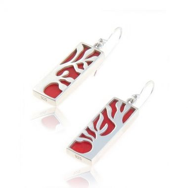 These sterling silver dangle earrings, feature a vibrant red coral gemstone hand carved in a rectangular shape, set in a Tree of Life design. This symbol of life and wisdom was very popular in ancient Greek mythology. An excellent addition to any daily outfit, casual or business, these red coral silver earrings will definitely capture everyone's attention. If you want an extra dash of colour and style, match it with delicate red coral sterling silver bracelets.