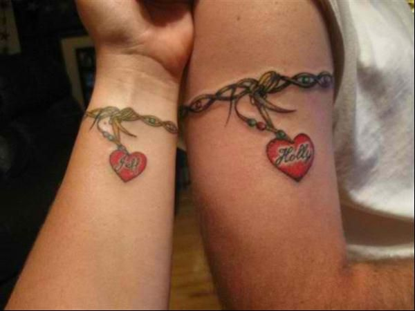 Matching Tattoos for Couples | couples-tattoos-heart chains