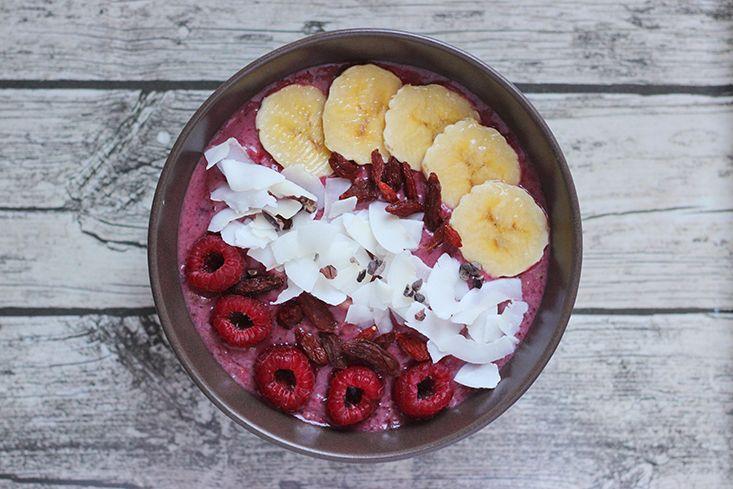 L'açaí, vous connaissez? Cette petite baie originaire du Brésil (prononcée a-sa-hi) au goût gourmand est l'un des superaliments les plus en vogue actuellement grâce à ses propriétés particulièrement admirables: une quantité d'antioxydants impressionnante (la plus importante parmi tous les fruits et légumes, 10 fois plus que dans le raisin rouge), très peu de sucre, unLire la suite…