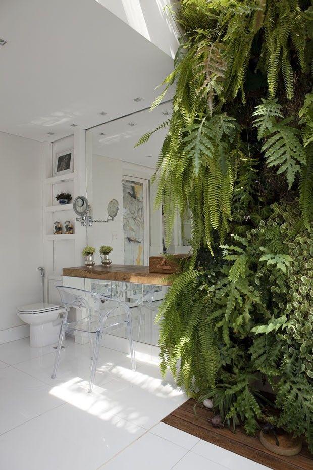 São Paulo brings home the green for the interior. Casa Vogue