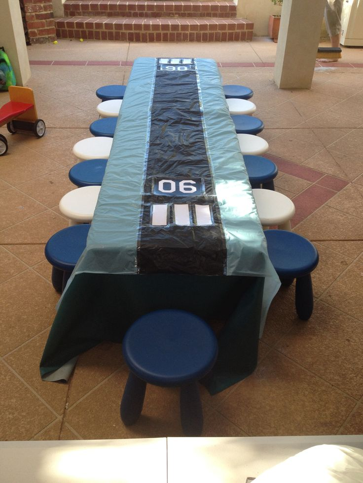 Table runway