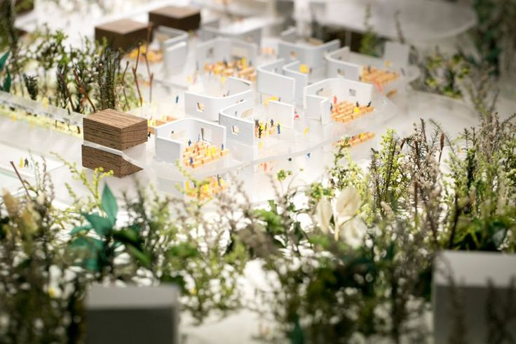 This elementary school by C+A, which has been leading school building in Japan, was completed in 2015, and this is the latest model of the building. The huge model includes the whole site, showing the arrangement of the building in response to the surrounding environment, including the wind and light from a beautiful forest nearby.