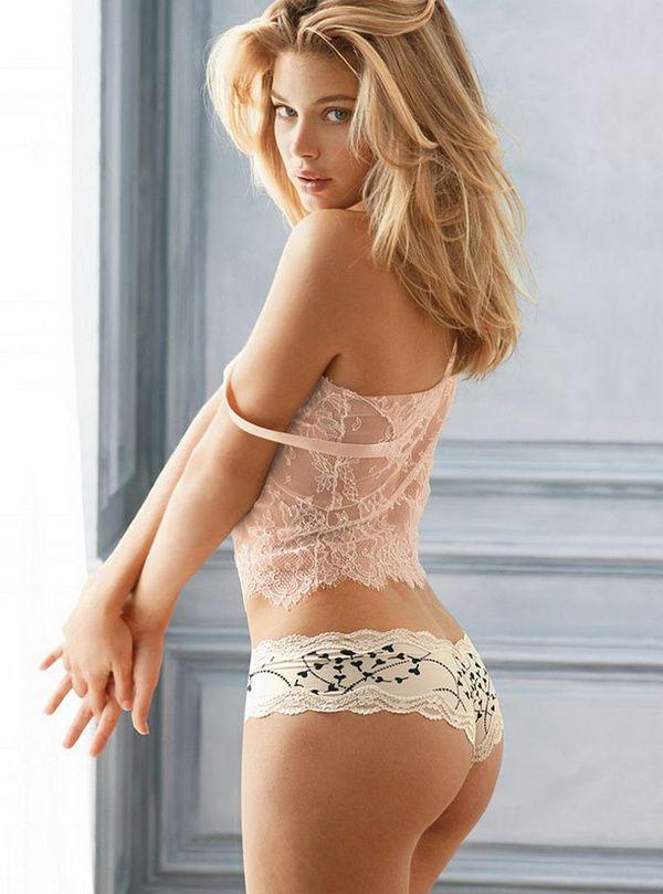 Les plus belles fesses du monde, Hot Babes Naked