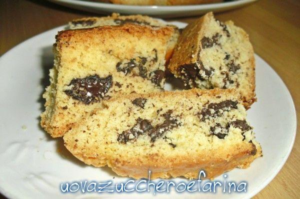 biscotti con pezzetti di cioccolato per colazione