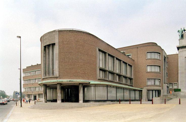 Palais du Centenaire, architect: Joseph van Neck, 1935 | photo credit: © Alexander Hartmann, Wissenschaftliches Bildarchiv für Architektur (Archiv), © 1994–2013 archINFORM, found on the website: http://www.archinform.net/projekte/15782.htm