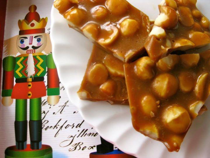 Macadamia Christmas Crunch  #KitsasKitchen