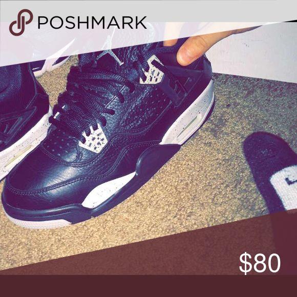 Jordan retro 4 (Oreo color way) Good shape 8/10... size 9.5 Jordan Shoes Sneakers