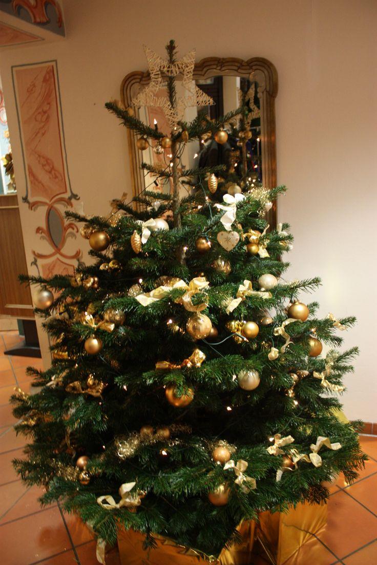 goldener christbaum weihnachten im riessersee hotel. Black Bedroom Furniture Sets. Home Design Ideas