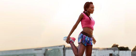 Ricordati dello stretching prima e dopo l'allenamento. Prima ti aiuta a riscaldarti, dopo rilassa i muscoli ed eviterà fastidiosi (e rischiosi) dolori nei giorni successivi.   #fitness #running