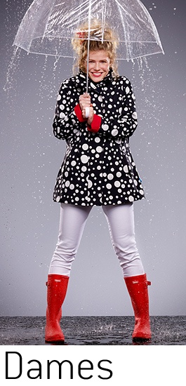 Have fun in the rain with the rain jacket of HappyRainyDays