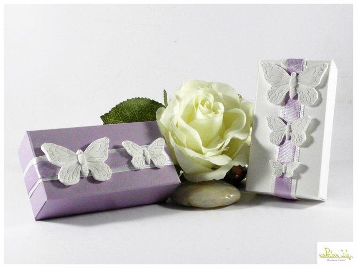 scatolina rettangolare porta confetti con farfalline in gesso ceramico : Bomboniere di pentria-lab