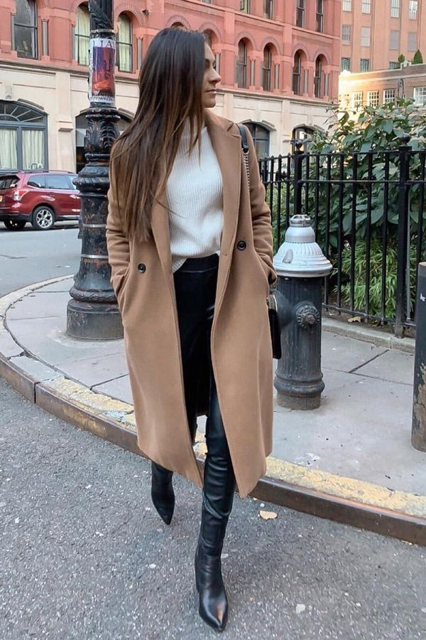 Check out these 35 outfits to keep you warm and stylish this winter! #winterfash…