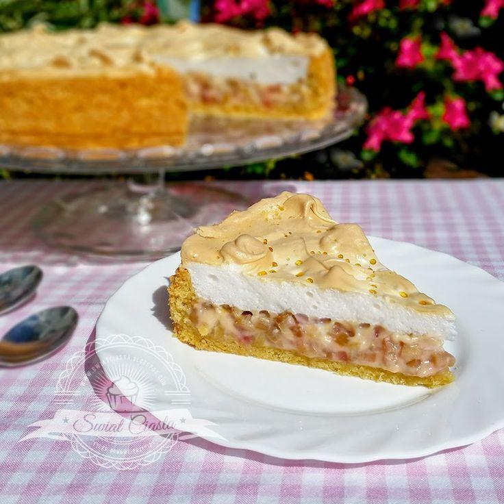 Tarta rabarbarowa z bezą | Świat Ciasta