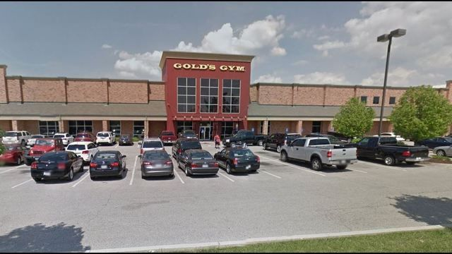 Gold's Gym has signed an agreement to require all of the 24 Hour Fitness locations in both the St. Louis and Oklahoma City metro areas.