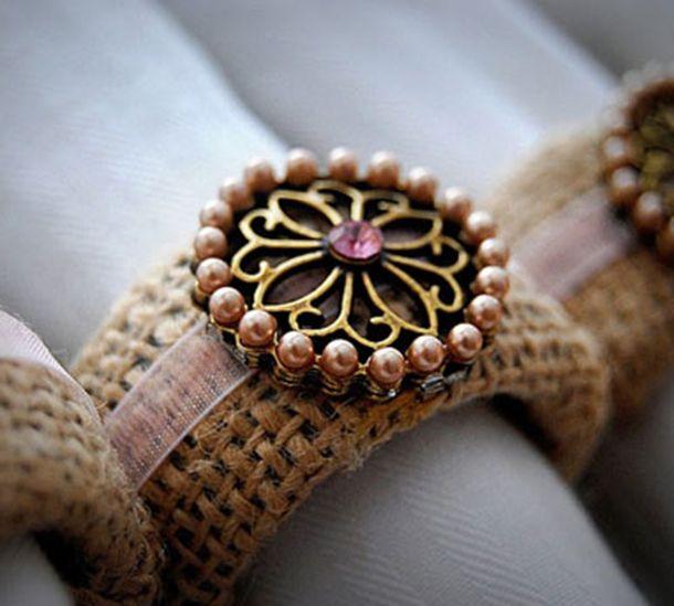 Como usar anel de guardanapo ao servir? Veja dicas! http://montacasa.gudecor.com.br/blog/anel-de-guardanapo/