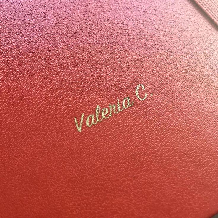 Per il 2017 la mia agenda è super personale  #moleskine #personalizzato #valeria #valeriac #cadeau #gold #aragosta #red #redlobster #custimized