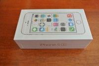 For Sale Unlocked Apple iPhone 5s 64GB.