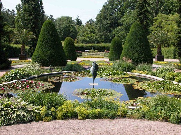 Https Www Berlin De Sehenswuerdigkeiten 3560404 3558930 Botanischer Garten Html Botanischer Garten Botanischer Garten Berlin Siegessaule Berlin