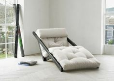 A lounge chair by day, Figo transforms into an impromptu bed by night. Perfect for small apartments and unexpected guests.