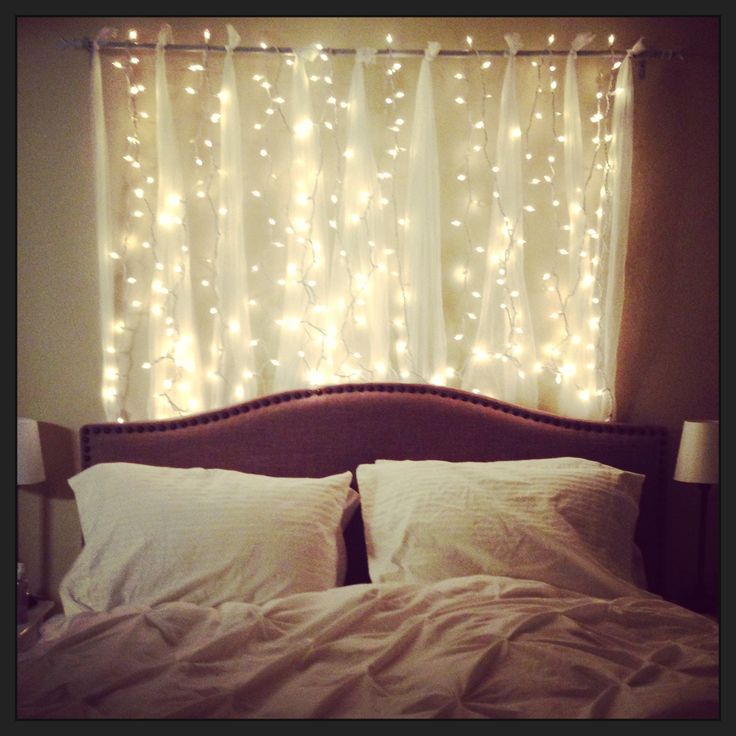 Twinkle lights headboard ... I absolutely love this!                                                                                                                                                                                 More