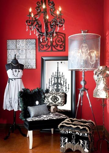 That's Haute!  NO RULES!   use large scale items in a small space - oh drama!   PattyonSite