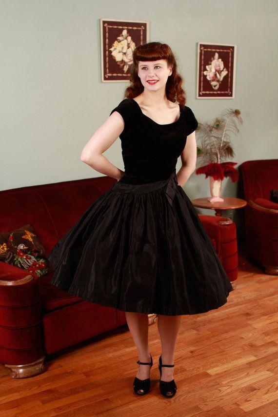 Vintage 1950s Dress Marvelous Black Velvet And Acetate