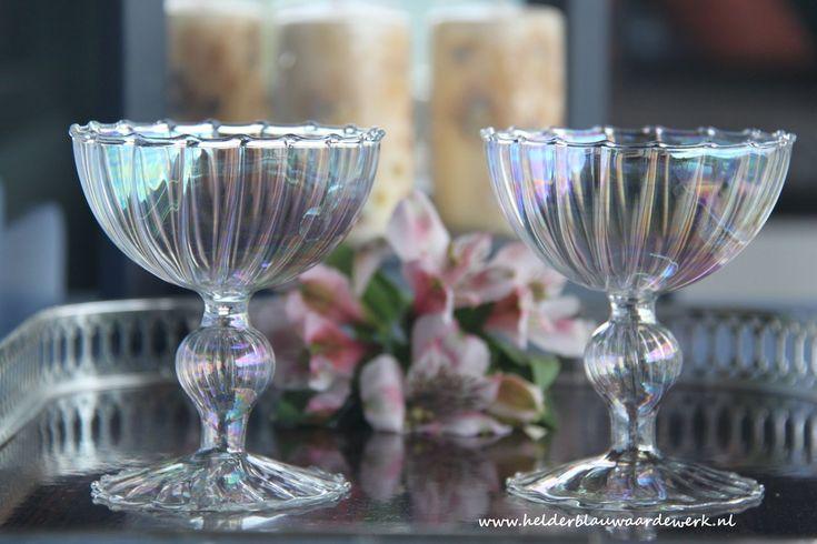 twee kristallen coupes Venetiaans glas - flinterdun