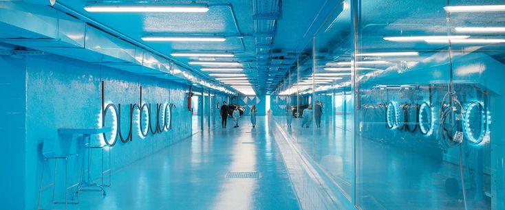 Burbucar: lavadero de coches en Madrid, diseño de Lina Toro