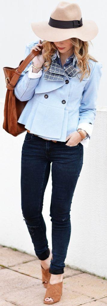 Blue peplum blazer : Laura Clement  Trench : Romwe   Shirt : Zara  Jeans : Zara   Mules : Steve Madden  Tote : La Redoute   Ma Petite Bya Ana