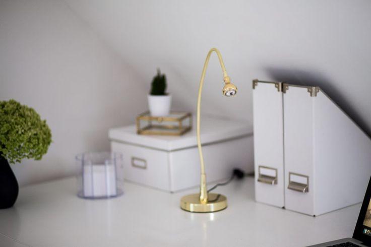ikea-schreibtischlampe-gold-minimalistisch-1-von-1