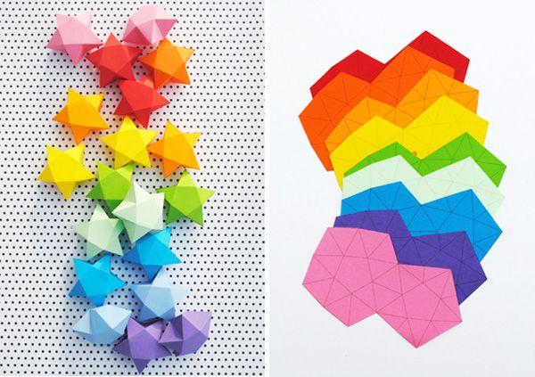 Per creare delle carinissime stelle di carta tridimensionali bastano davvero…