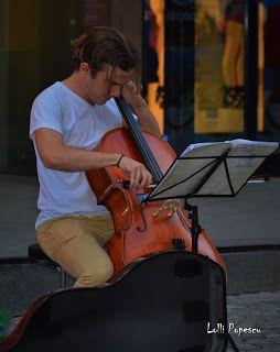 Pulsul orasului: D'ale strazii-Violoncelistul