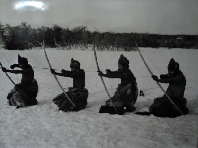 Hunters Selk'nam, 1923. Photo of Martin Gusinde.