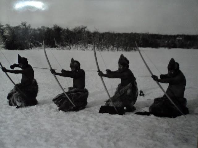 Hunters Selk'nam, 1923. Photo of Martin Gusinde.