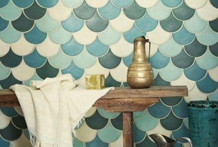 """Una combinación que funciona igual de bien en el baño y la cocina. Pero hay mucho más… ¿Quieres un suelo bonito y original para tu casa? ¿No te decides entre madera y esos azulejos, ese gres taaan bonito?¿Te gustan los estampados de los azulejos hidráulicos pero te parecen demasiado llamativos y buscas ideas para """"tamizarlos""""? ¿Lo …"""