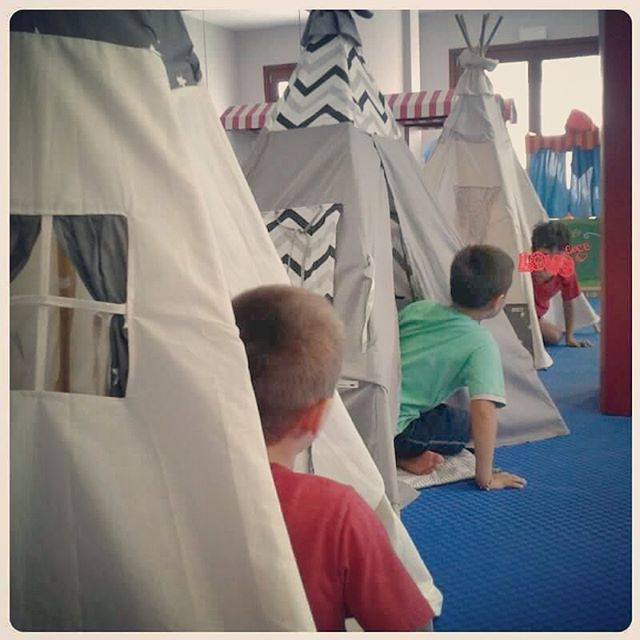 Kids'👫 yoga 👯 in #santorini with #teepeelicious #handmade #teepeelicious_happy_moments #madeingreece #greekislands #kids #yoga #yogainspiration #eventideas #giftideas #kidsinteriors #kidsroomdecor #tipi #teepees #happykids #happytime #yogatime #pokemon #customade #madeingreece