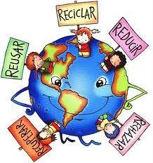 En esta imagen los chicos están mostrando carteles, que son: re usar, reducir, rechazar, recuperar y reciclar. Para mi ellos quieren que todos lo cumplan, para tener un mundo mas limpio y no contaminado.