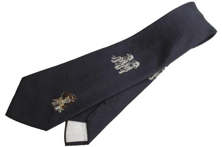 【 #DominiqueFrance #ドミニックフランス シルクネクタイ 犬柄 ネイビー スリークラウン】パリのネクタイメーカー『ドミニック・フランス』は、1939年ピエール・シャロン街58番地に創立されました。創業者のルネ・ブランドーはその人生をまさにネクタイ一筋に生き た人でした。最高級ラインになると一本10万円を超すネクタイの最高級ブランドです。このネクタイは、かわいらしいダルメシアンやビーグル犬が描かれています 。画像をクリックして頂きますと、詳細ページをご覧頂けます。 #セブンマルイ質店 TEL06-6314-1005