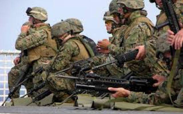 """Guerra all'Isis, Obama entra in Iraq a piccoli passi Ecco: Obama cambia la strategia nella lotta all'Isis: nuova base militare in Iraq e altri 500 militari    Erano i primi di agosto del 2014 quando Obama dichiarò in una diretta: """"Oggi l'America int #iraq #isis #obama"""