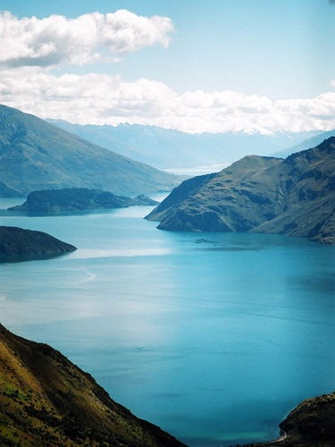 New Zealand Travel Guide; must create a account through facebook to use this