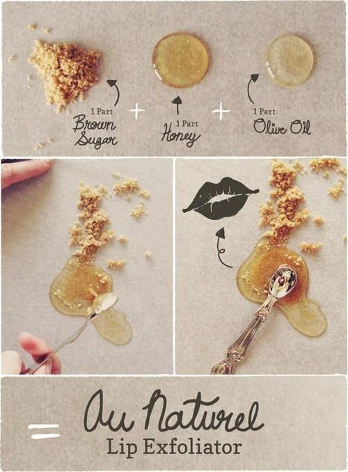 Ideas para exfoliar los labios: azúcar morena, miel y aceite de oliva.