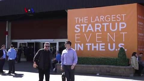 """Silicon Valley bukanlah satu-satunya tempat untuk mencari Mark Zuckerberg berikutnya. Kota New York merupakan rumah bagi sekitar 9.000 perusahaan teknologi rintisan, dan ratusan di antaranya ikut serta dalam """"New York TechDay"""", ajang unjuk prestasi yang kini memasuki tahun ke-6.  Simak liputan Tim VOA berikut ini dari New York.   Di YouTube: https://youtu.be/K0nt12Mfirc"""
