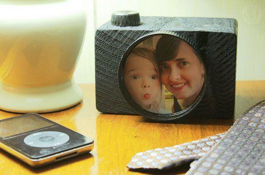 Original cámara de fotos de madera para regalar el Día del Padre