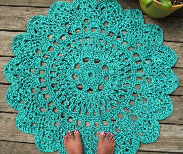 """Turquoise Patio Porch Cord Crochet Rug in 35"""" Round Pineapple Pattern >> So cute!"""
