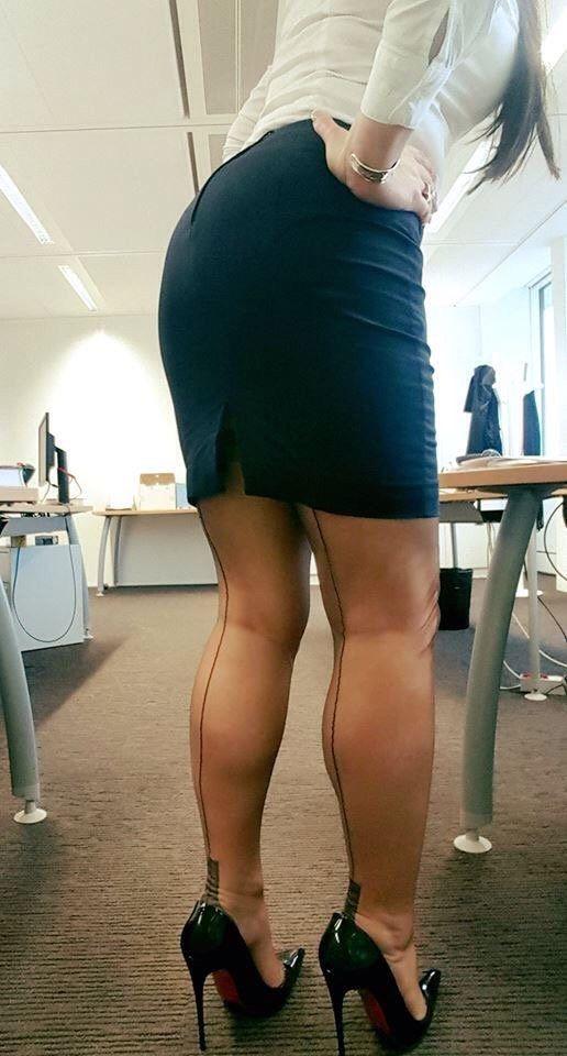 Milf de largas piernas - 1 part 10