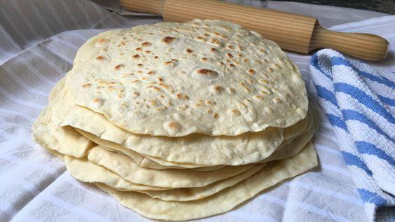 Tortillas de harina de trigo para que prepares fajitas, burritos, quesadillas o sincronizadas. Receta paso a paso con vídeo